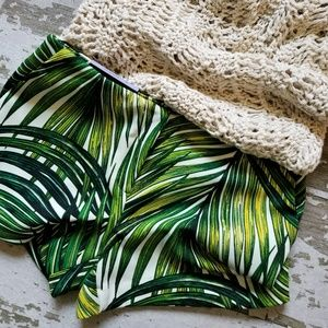 NWT Worthington women's shorts in palm leaf print